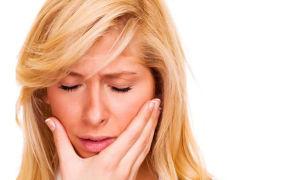 Что делать, если зуб реагирует на холодное и горячее