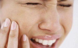 Что делать, если ломит зубы, и как это лечить