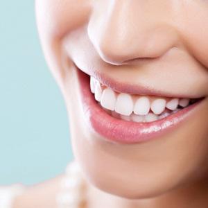 Какие основные плюсы и минусы лазерного отбеливания зубов