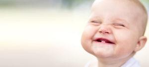 Какие основные признаки прорезывания зубов у грудничка в 4 месяца