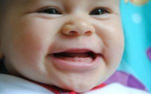 температура при прорезывании зубов у грудничка