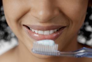 шатаются зубы и способы их укрепления