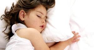 Причины появления скрежета зубами во сне у ребенка